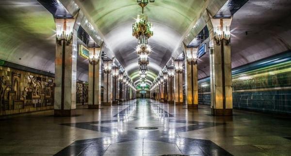 Хоким Ташкента одобрил проект по созданию в метро бесплатного Wi-fi