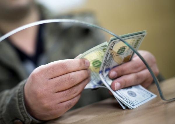 """Как купить наличную иностранную валюту в Узбекистане и """"не залететь"""" (инструкция по применению)"""